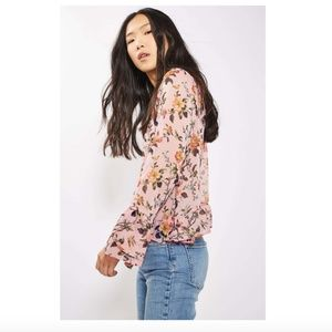NWT Topshop floral trumpet sleeve floral blouse